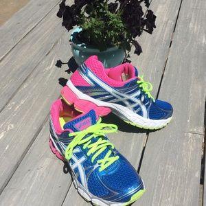 ASICS Gel-Flux running shoes. Ladies 10.5